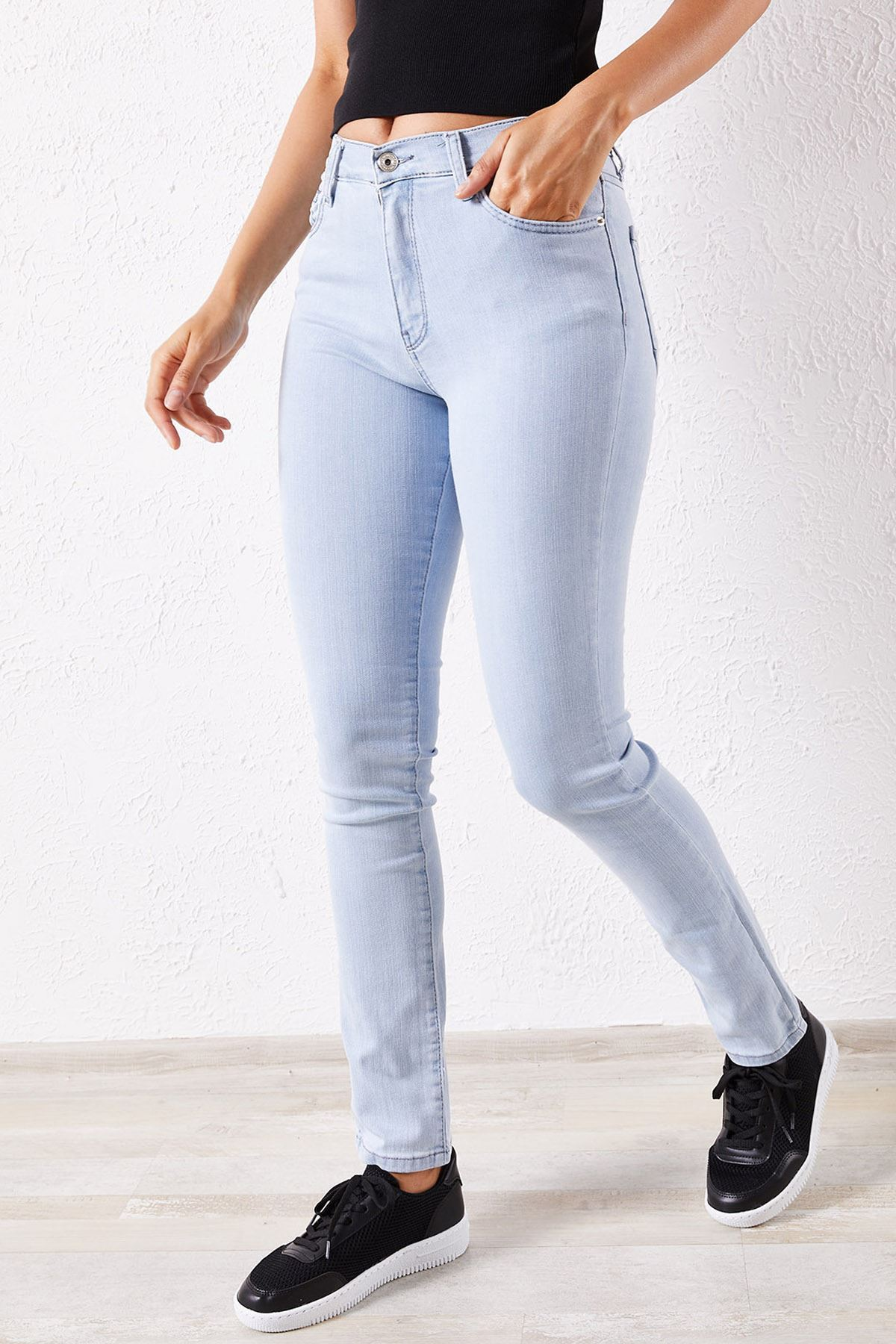 Kadın Likralı Slim Açık Mavi Kot Pantolon