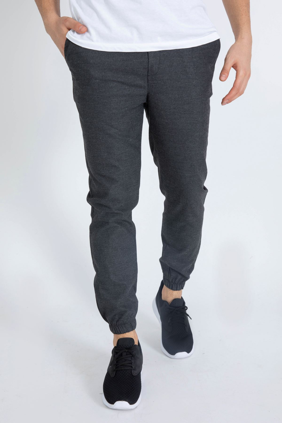 Erkek Beli Lastikli Pöti Kareli Siyah Jogger Pantolon