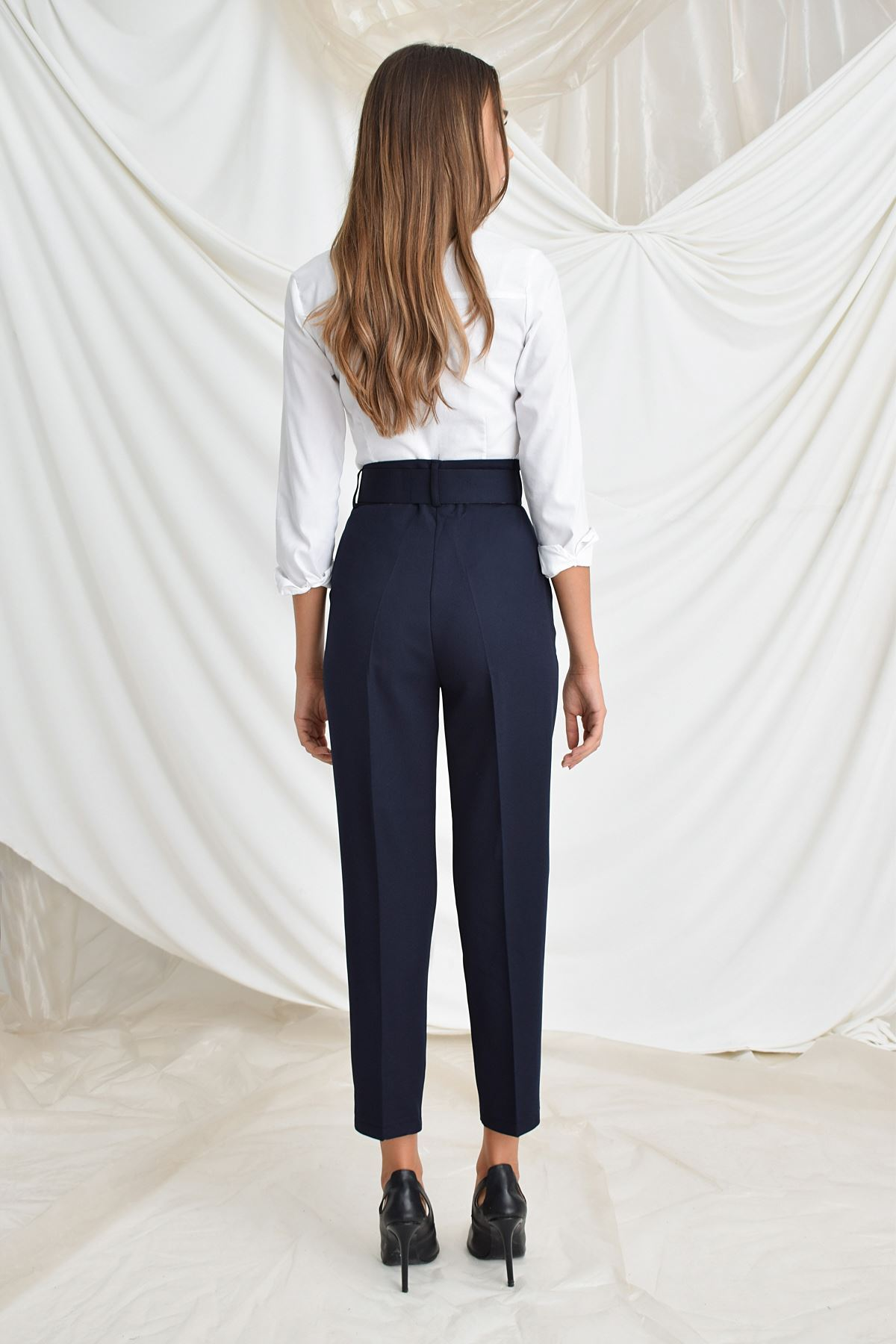 Beli Kemerli Havuç Pantolon