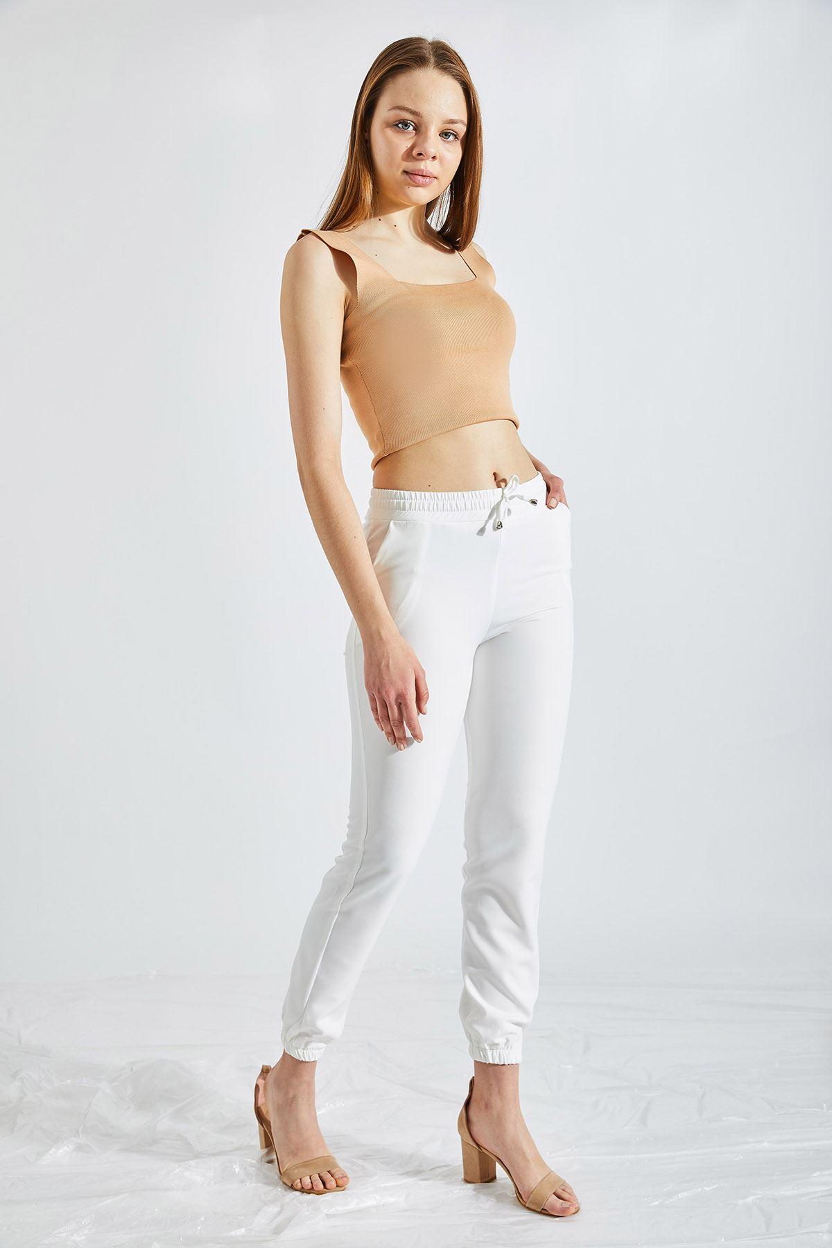 Kadın Bel Ve Paça Lastikli Beyaz Kumaş Pantolon