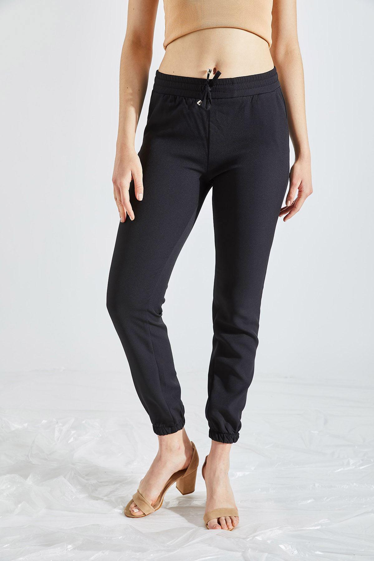 Kadın Bel Ve Paça Lastikli Siyah Kumaş Pantolon